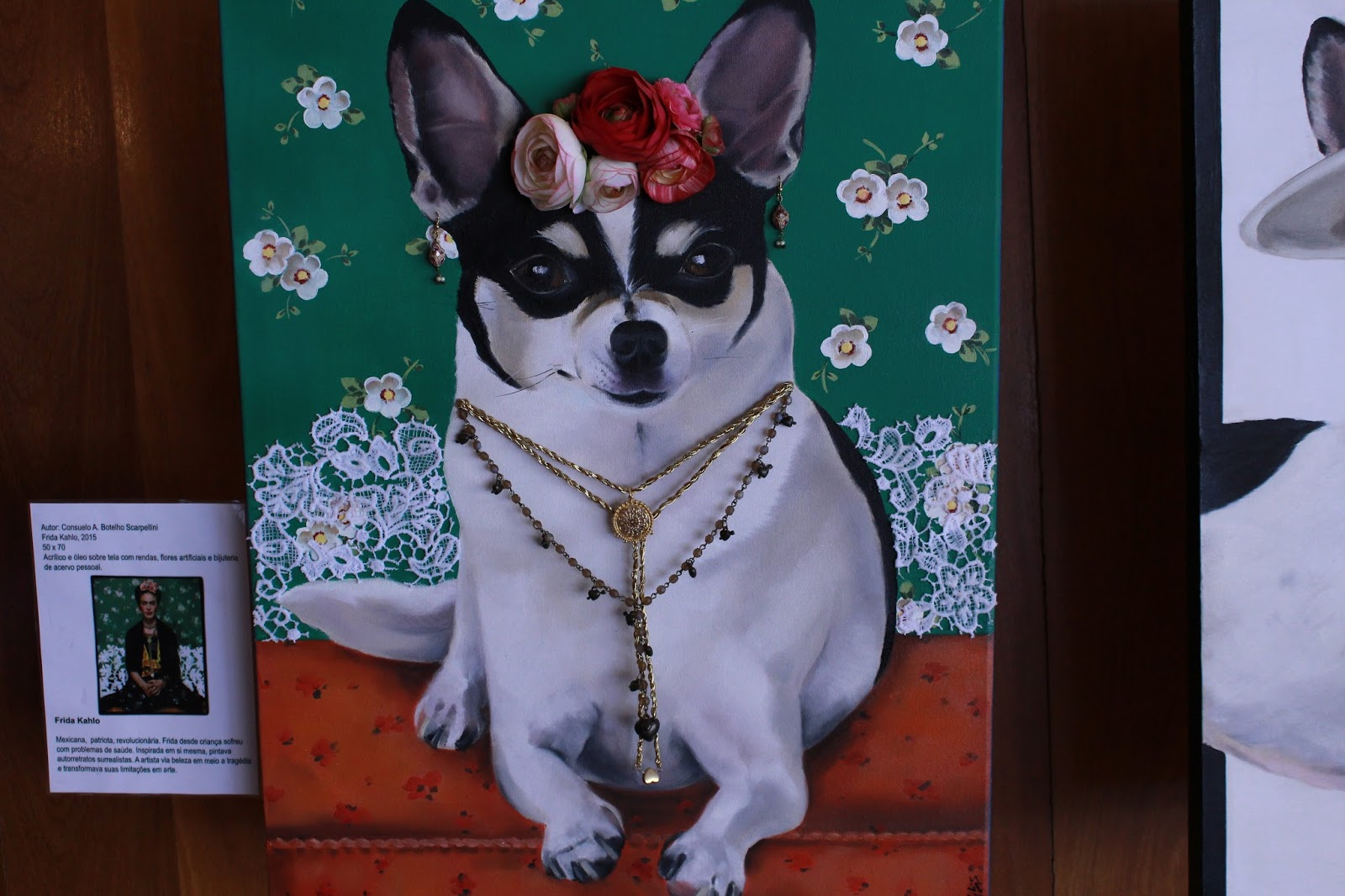 Chanel representando Frida