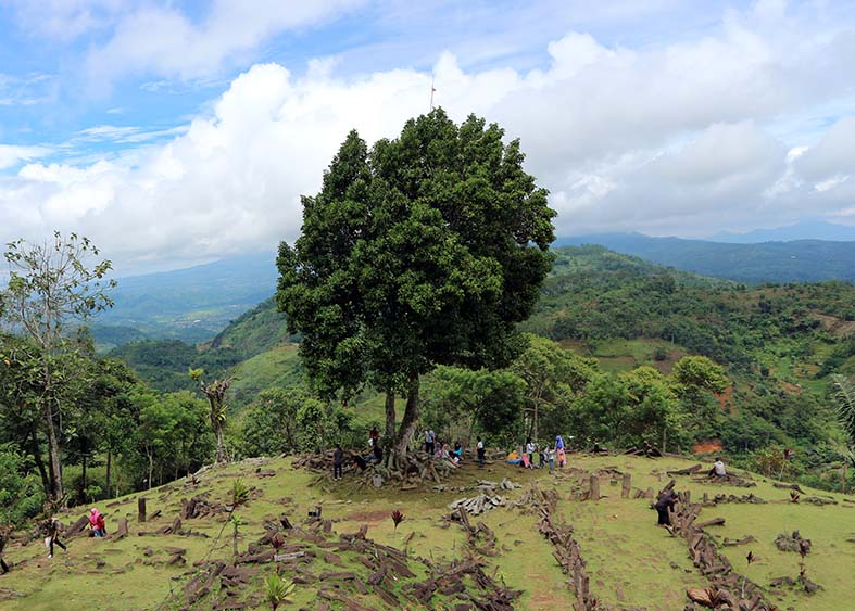 Situs Gunung Padang Cianjur ! Situs Prasejarah Megalitikum !