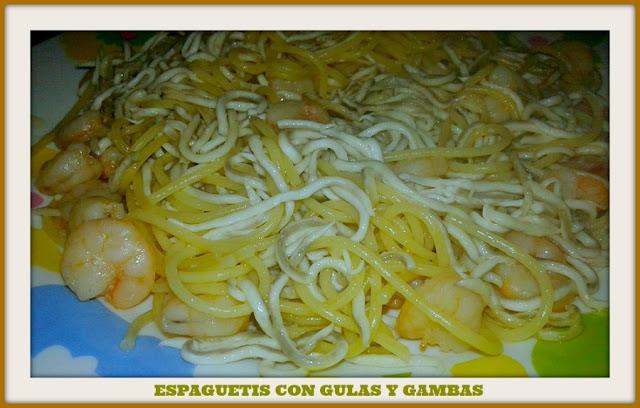 espaguetis con gulas y gambas