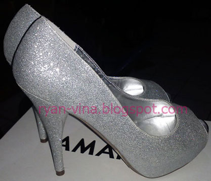 a3b2ca583b3 Time Teaches Us How to Love...  My Wedding Shoes... on Christmas Day...!