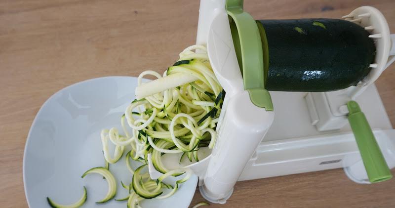 Gemüsespaghetti - Zucchini zu Spaghetti verarbeiten