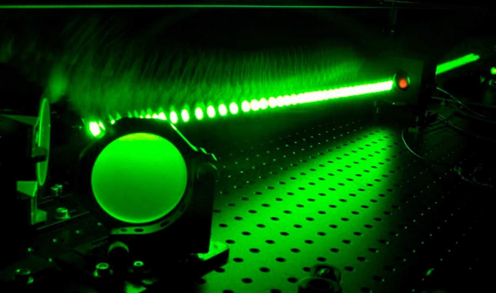 Kekuatan sistem laser di Rumania mencapai sepersepuluh dari energi matahari