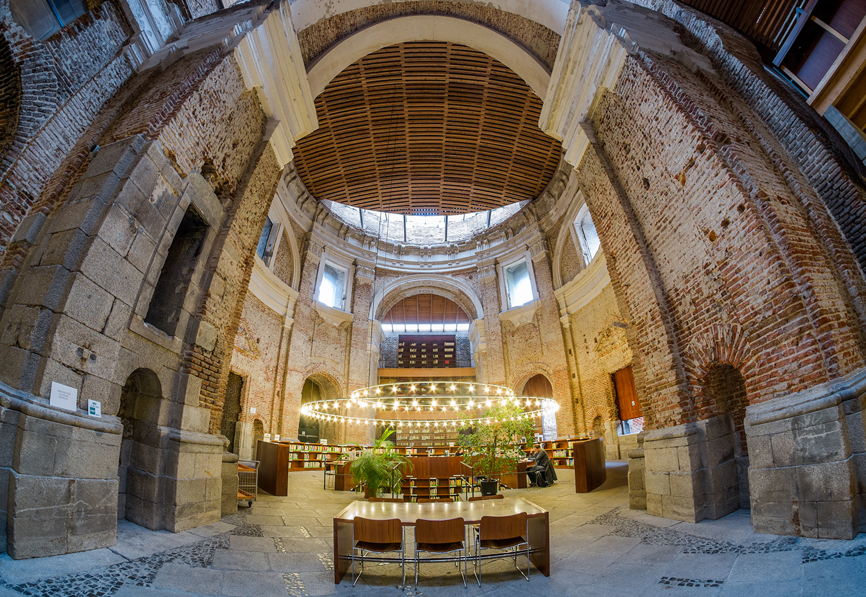 Javiersanchez fotograf a editorial algunas bibliotecas de for Biblioteca iglesia madrid
