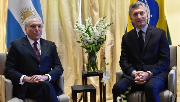 Macri y Temer socavan espacio político de movimientos sociales