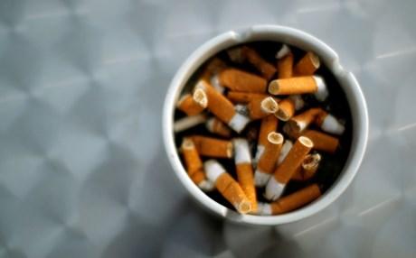 Θεριακλήδες οι 'Ελληνες: Δεύτεροι στο κάπνισμα, πρώτοι στο παθητικό...