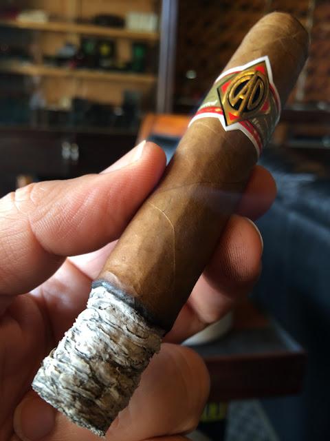 CAO Gold Robusto cigar 3