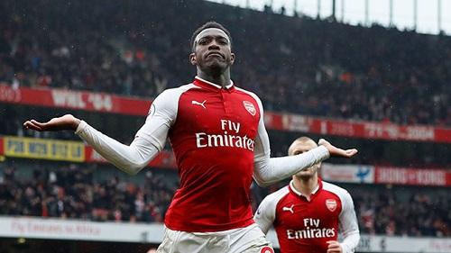 Welbeck trở lại, thay đổi lịch sử Arsenal