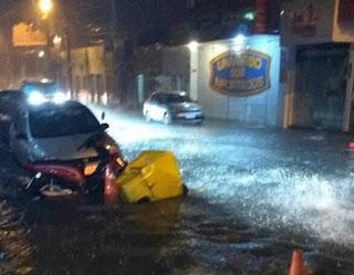 Chuvas provocam alagamentos e desmoronamentos no Sertão da PB; Veja vídeo