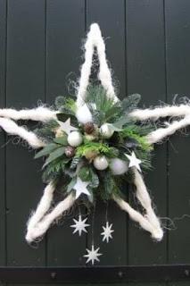 stella con lana per decorare la tavola di natale
