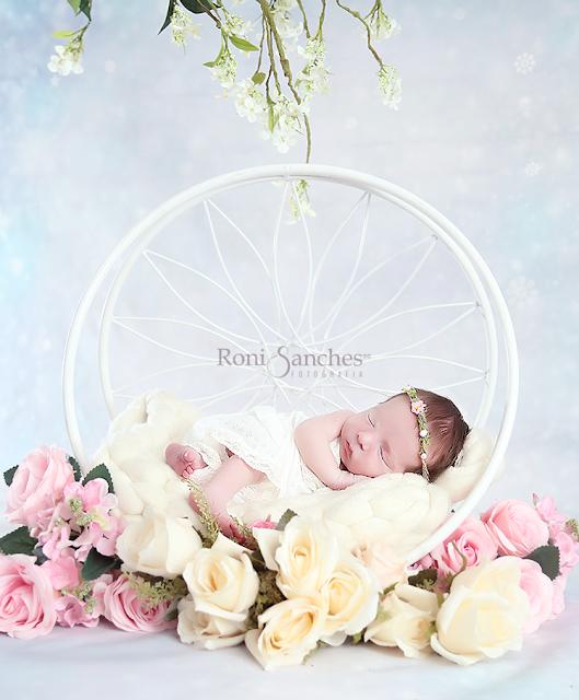 Roni Sanches,Bebê Newborn, bebê recém-nascido,fazer o bebê dormir,book newborn, foto de bebê dormindo,filtro dos sonhos com bebê,o melhor fotografo de bebês do Brasil