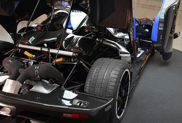 2013 Koenigsegg Agera R Hundra Engine