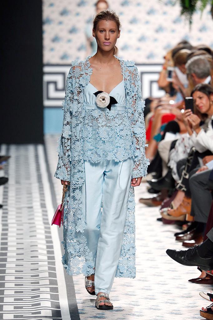 Runway jorge v zquez spring 2018 madrid fashion week - Madrid chic style ...