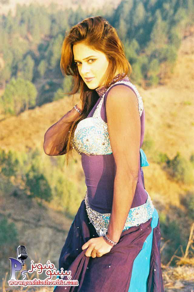 Pak Celebrity Gossip Sobia Khan Profile Picture-1398