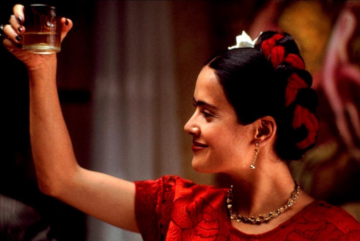 frida kahlo salma ile ilgili görsel sonucu