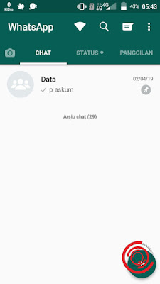 Pertama untuk menghapus data chat grup dan kontak WhatsApp agar penyimpanan tidak penuh silakan kalian buka dulu aplikasi WA nya, setelah itu pilih tombol titik tiga di pojok kanan atas