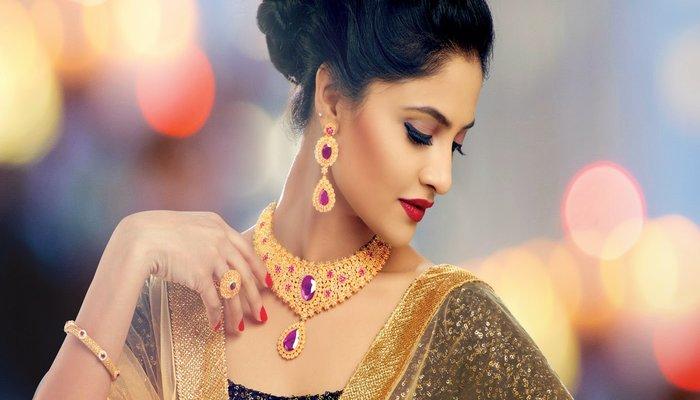 Pearl and Gold Kundan Bridal Set