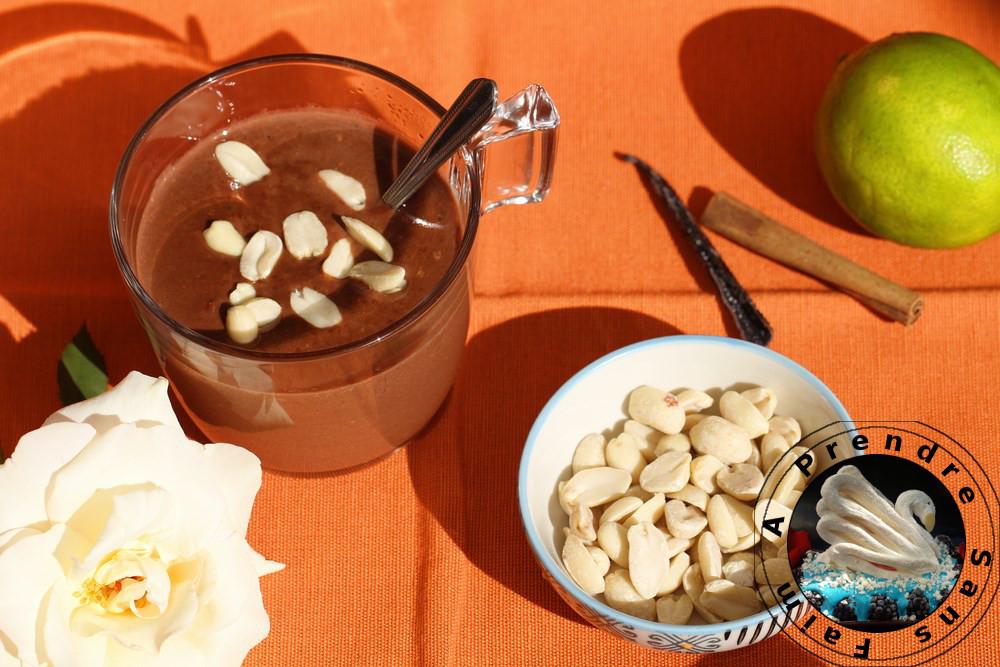 Chocolat chaud aux cacahuètes (pas à pas en photos)