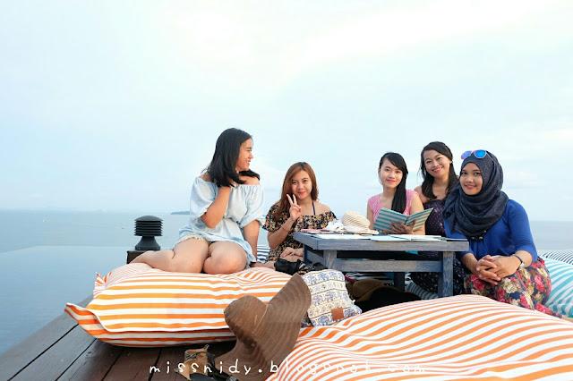 baba nest rooftop bar at sri panwa resort