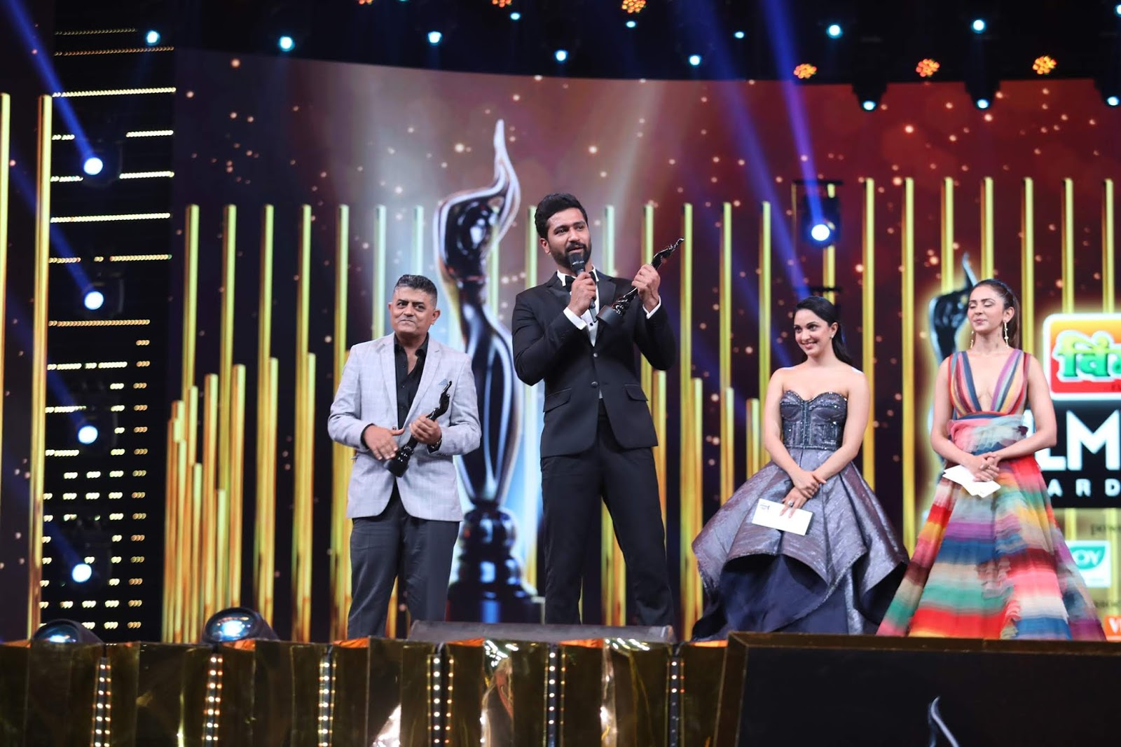Samachar Vishesh: Filmfare Awards 2019: The Coveted Black
