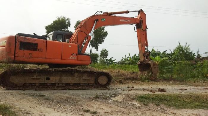 Pembangunan Jalan Poros Desa Curugbadak Mulai Dikerjakan