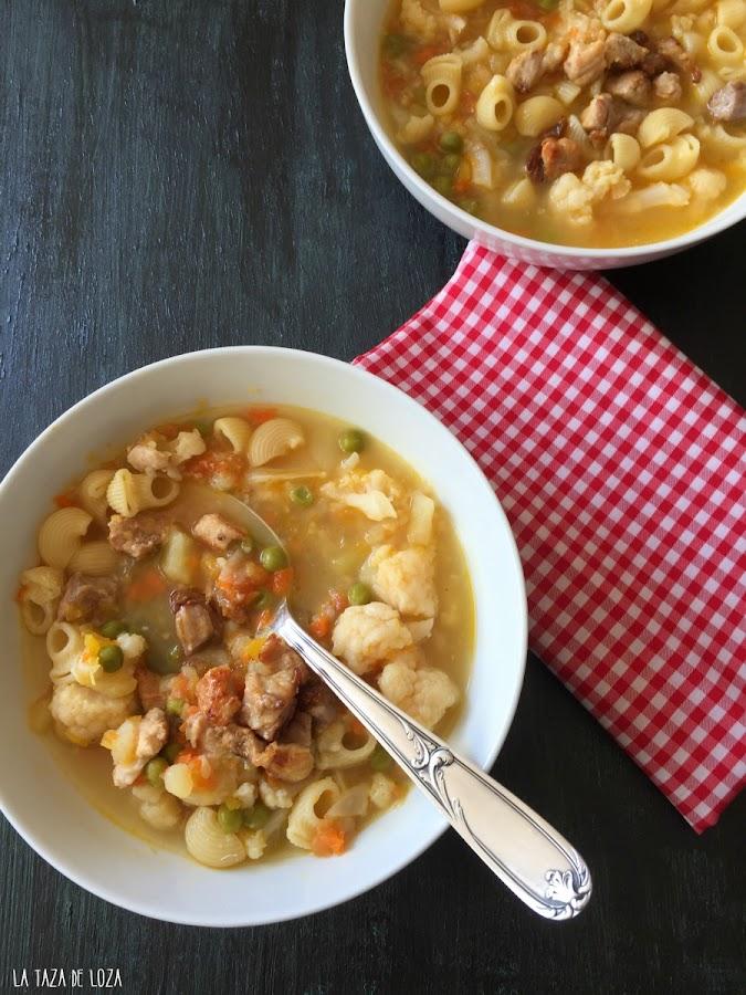 minestrone-de-verduras-con-panceta-y-pasta