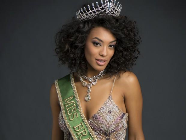 b1ece8d66b8e7 Na noite de ontem o babado foi intenso no Miss Universe 2017! Estávamos  confiantes que a coroa seria conquistada pela lindíssima Raissa Santana e  para nossa ...