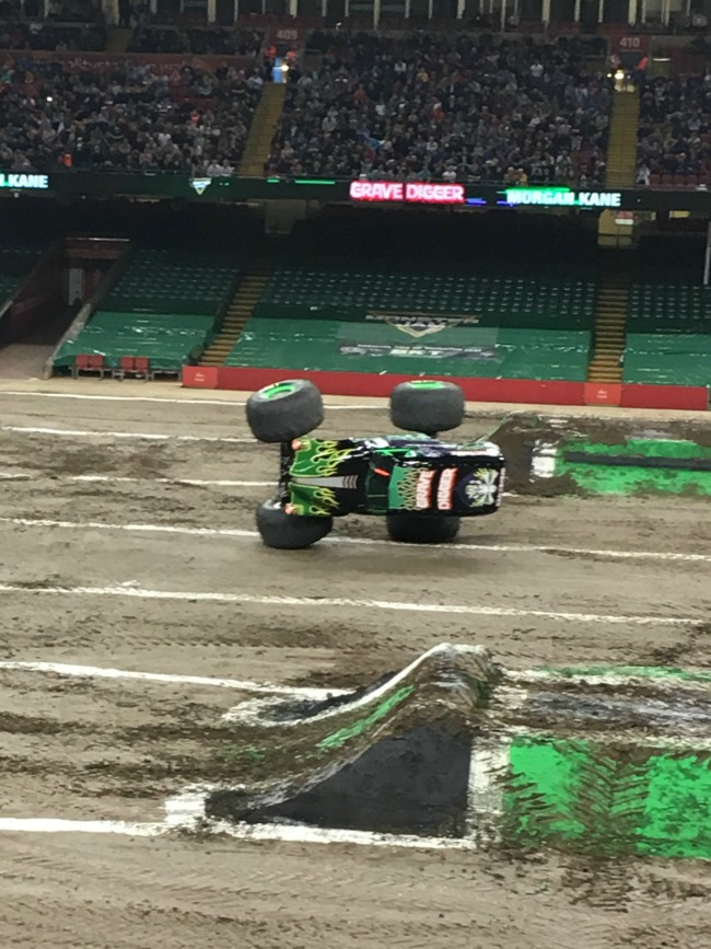 Grave-digger-on-two-side-wheels