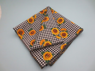https://www.etsy.com/listing/294031713/sunflower-cotton-cloth-18-inch-napkins?ref=related-6