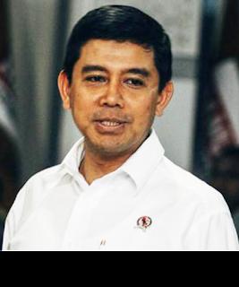 Gambar Menteri Pendayagunaan Aparatur Negara dan Reformasi Birokrasi Yuddy Chrisnandi