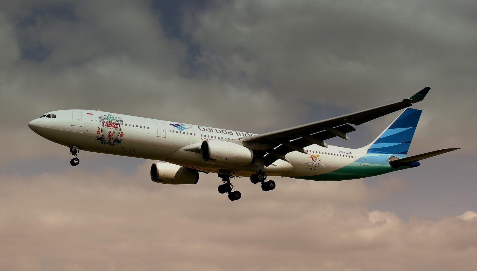 Garuda Indonesia Airbus A330 300 With Liverpool Fc Painting Motiveaircraft Wallpaper 3846 Aeronef Net