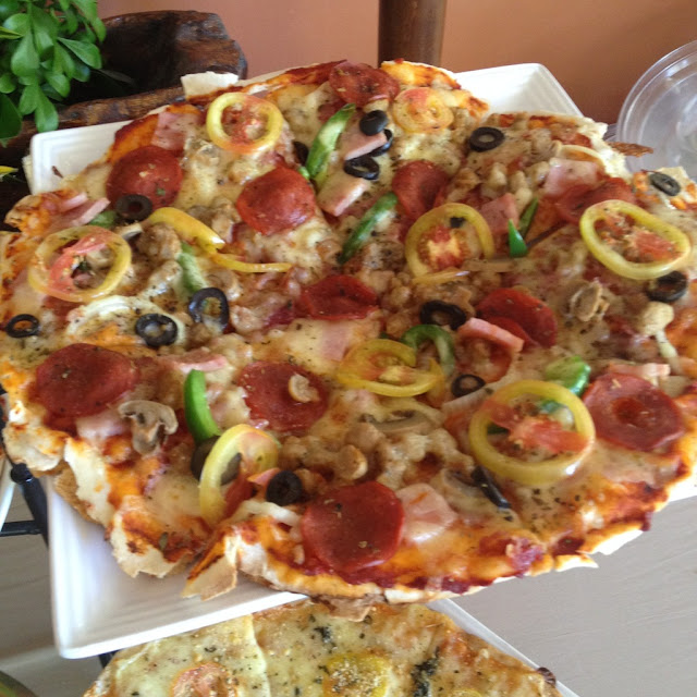 special pizza at Hale Manna Beach Resort