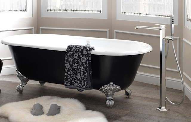 Elegant Bathtub for Your Bathroom