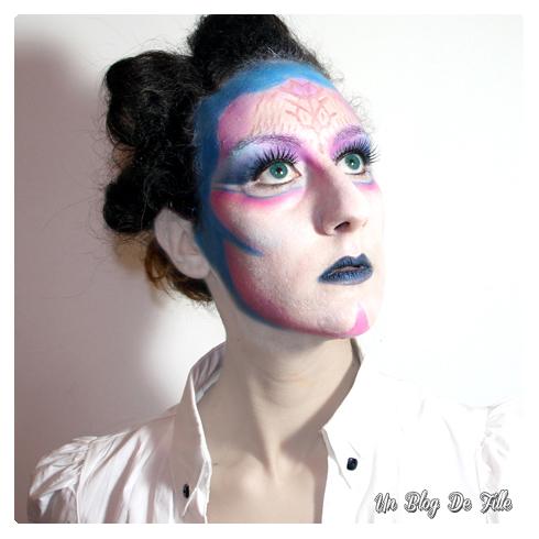http://unblogdefille.blogspot.com/2013/10/halloween-makeup-alien-et-de-katy-perry.html