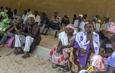 100,000 nigerian refugees deported cameroon