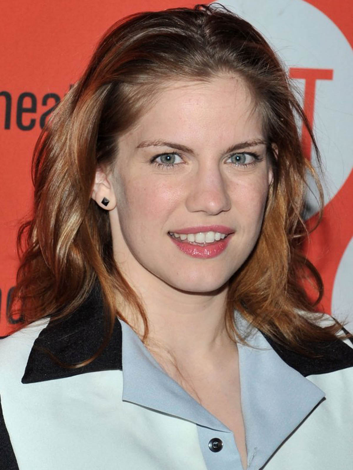 Nude Anna Chlumsky Nude Pic Png