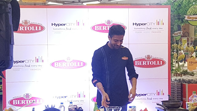 Celebrity Chef Ranveer Brar at the culinary workshop at HyperCITY Malad