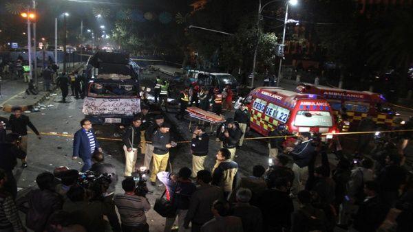 Atentado terrorista en Pakistán deja un saldo de 10 fallecidos