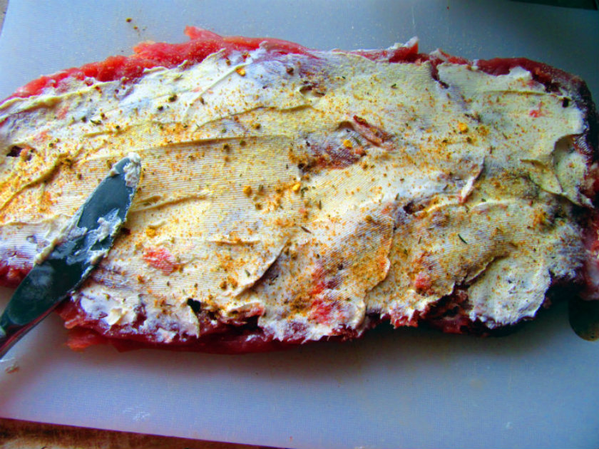 Italian style stuffed pork tenderloin by Laka kuharica: spread cream cheese, season with granulated garlic, pepper and Italian herbs.