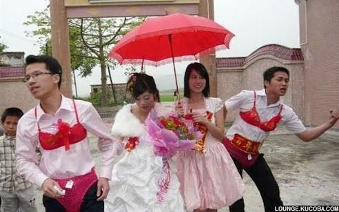 ritual penikahan aneh di Tiongkok