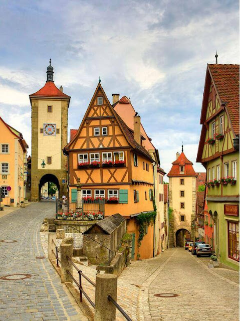 Rothenburg is located in German