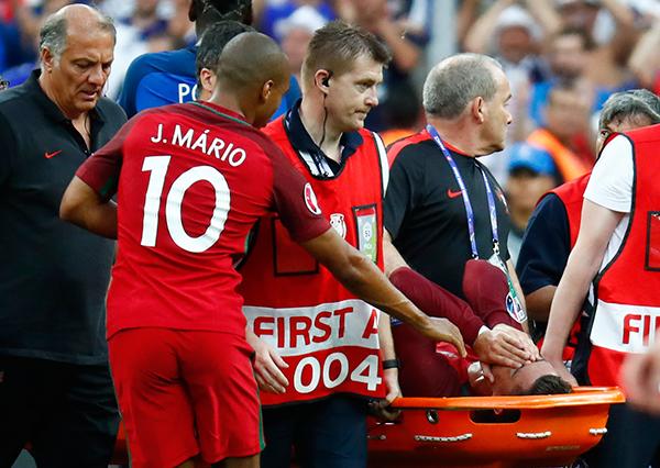 """Payet phân trần: """"Tôi không cố ý làm đau Ronaldo"""" - www.TAICHINH2A.COM"""
