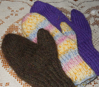 Natural Earth Farm: Two Needle Mitten Pattern