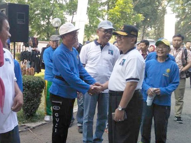 Oded M Danial Buka Gerak Jalan Sehat RRI Bandung