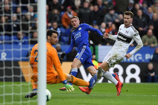 Jamie Vardy Leicester City scores Fulham