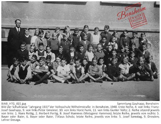 """BIAB_HTG_001.jpg; Sammlung Gaulrapp, Bensheim; Bild der Schulklasse """"Jahrgang 1937""""der Volksschule Wilhelmstraße  in Bensheim, 1948. Erste Reihe, 4. von links: Franz-Josef Gaulrapp, 9. von links Peter Gmeiner, 10. von links Horst Funk, 11. von links Gunter Voltz; 2. Reihe sitzend jeweils von links: 1. Hans Rettig, 2. Herbert Fertig, 8. Josef Hammes (Metzgerei Hammes); letzte Reihe, jeweils von rechts: 5. Bayer oder Baier, 6. Bayer oder Baier, 7.Klaus Scholz; letzte Reihe, jeweils von links: 5. Josef Samstag, 9. Dresden; Lehrer Desaga."""