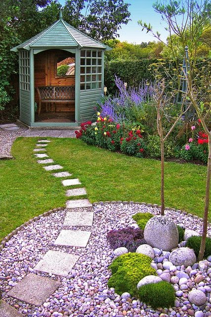 Beautiful Ideas For Amazing Garden With A Different Flowers And Colorful 10