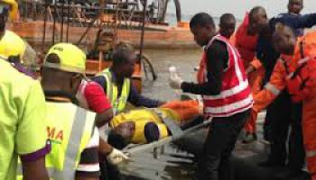 One-dead,-19-rescued-as-boat-capsizes-in-Lagos