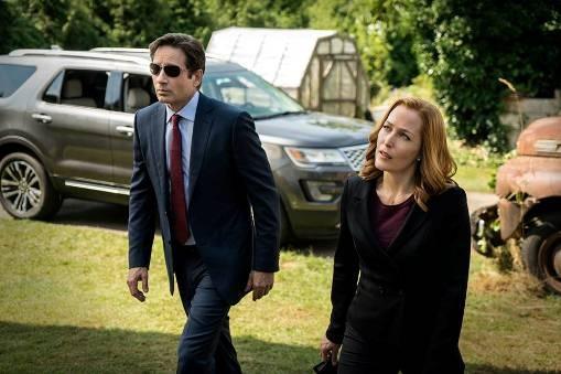 Ilustrasi Mulder Dan Scully Kembali Menangani Kasus X - Dipopedia