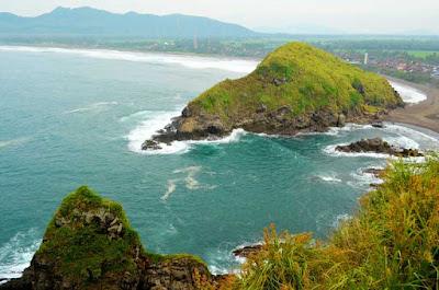panorama pantai yang eksotis