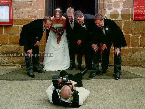 funny photographer - best photographer - funny wedding moment